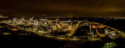 Nachtaufnahme Industrie